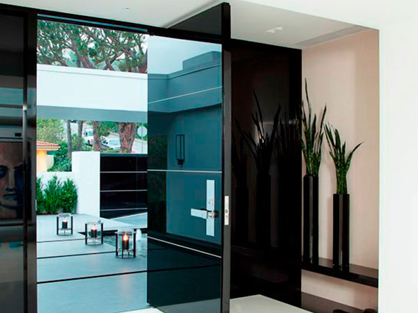 Showroom barral puertas de exterior for Puertas metalicas exterior baratas
